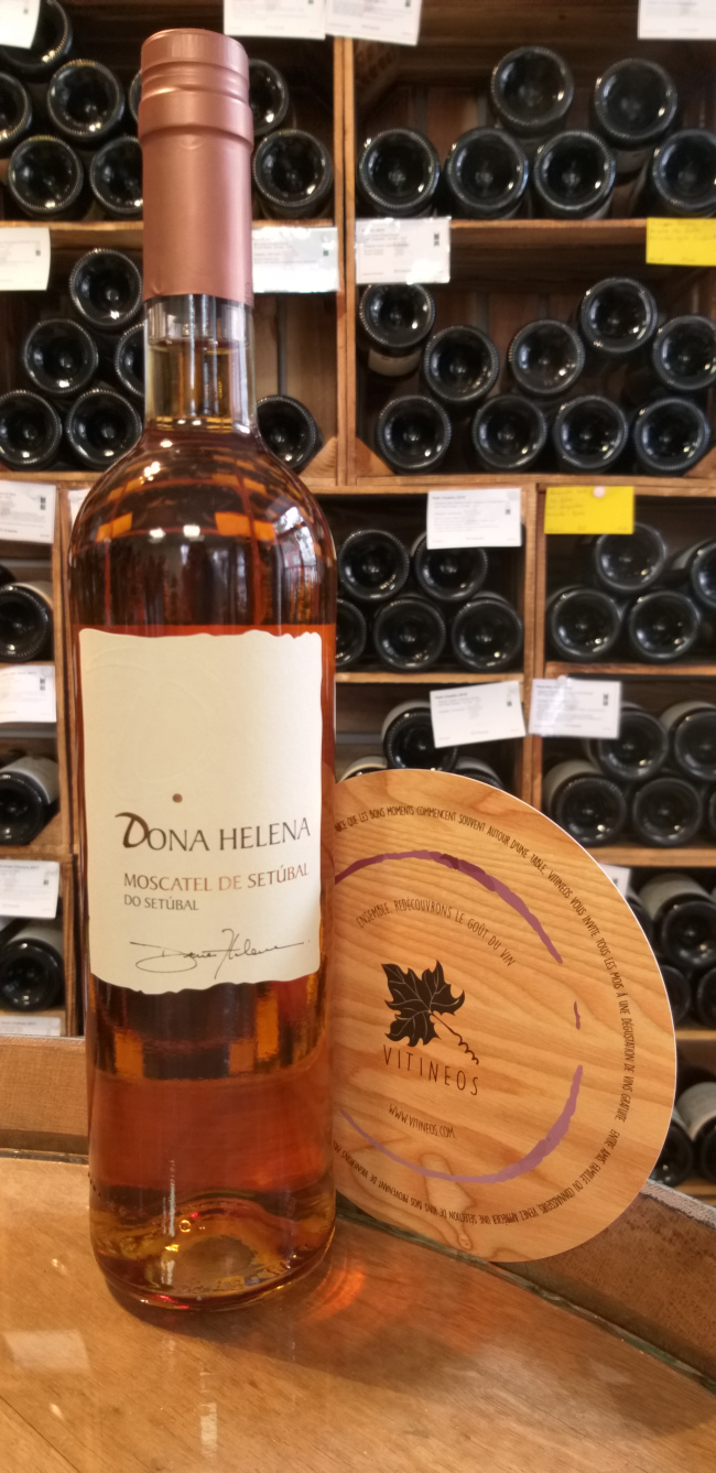 (1062-001) Dona Helena - Moscatel de Setubal - Wines & Winemakers by Saven